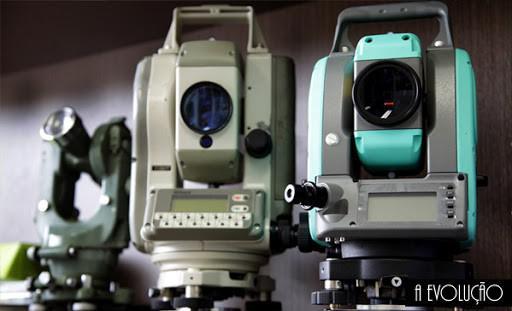 Alinhamento e nivelamento de maquinas e equipamentos